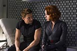 Foto Jeremy Renner y Scarlett Johansson en Los vengadores