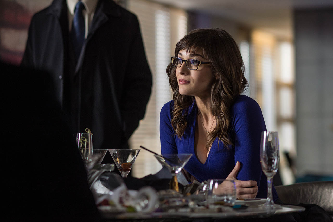 Foto Lizzy Caplan en The Interview