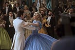 Foto Richard Madden y Lily James en Cenicienta 5